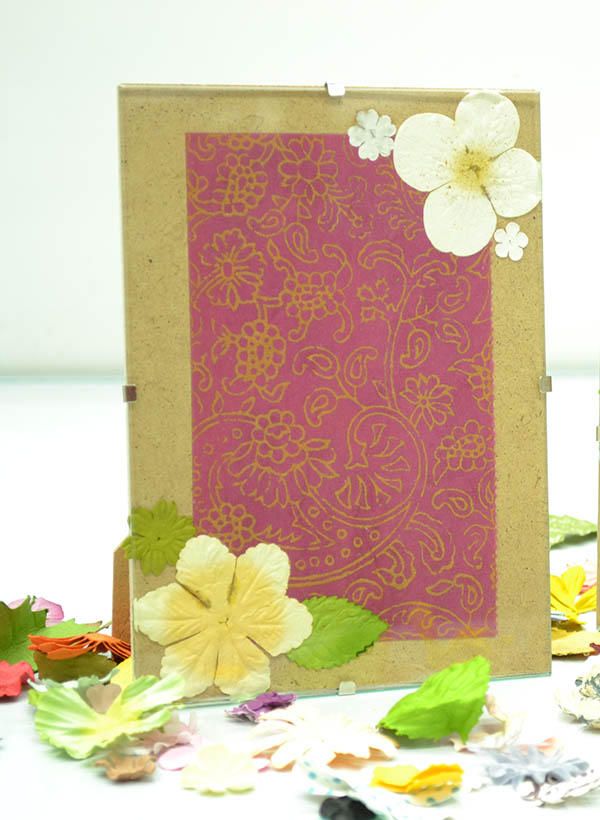 Craftistas DIY craft kit pressed flower frame step 8