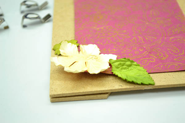 Craftistas DIY craft kit pressed flower frame step 6