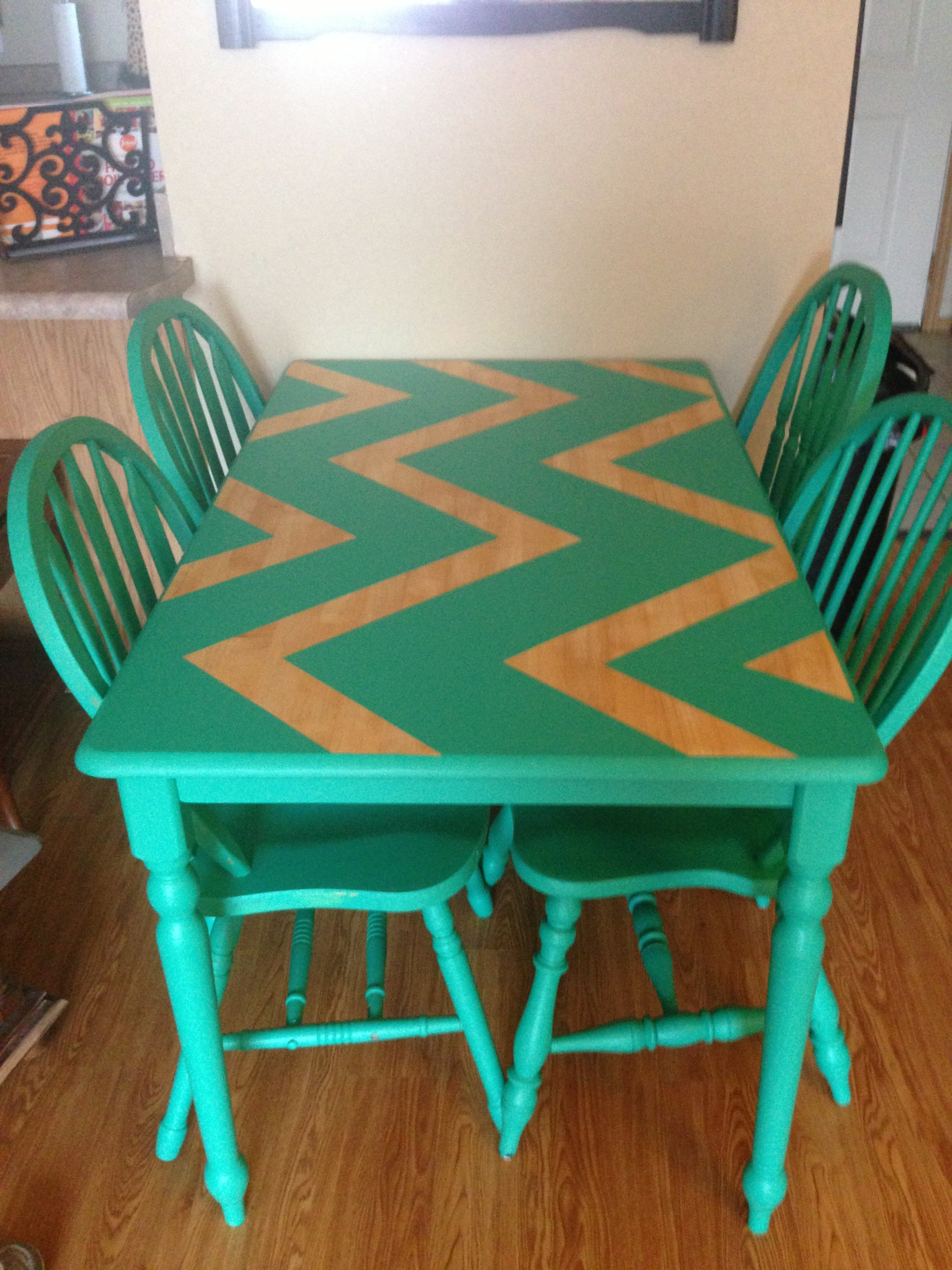 Diy spotlight the painted tail craftistas for Painted kitchen chairs
